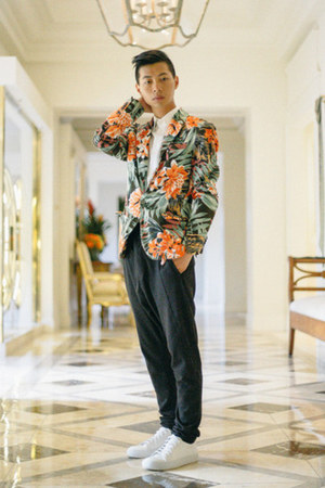 green floral Zara blazer - white sneakers acne shoes