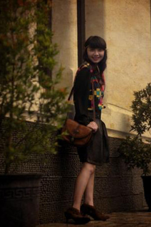bought online boots - Gaudi bag - The Square blouse - Mangnolia skirt