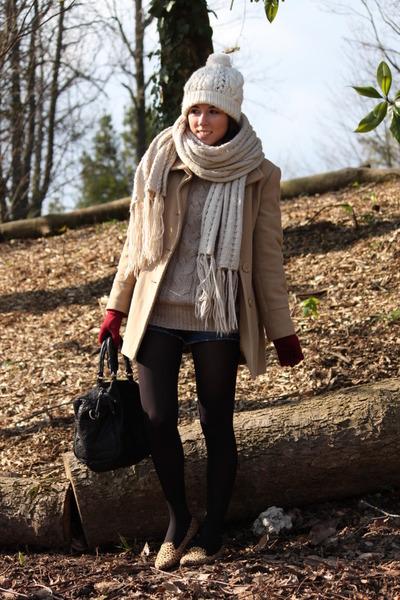 vintage coat - H&M hat - Bershka scarf - Forever 21 loafers