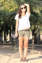 Bershka shorts - H&M bag - BLANCO sandals - Springfield t-shirt