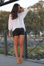 Stradivarius-shirt-zara-bag-h-m-shorts-mango-pumps