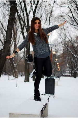 Zara sweater - leather Bershka boots - Zara leggings - Zara bag - H&M necklace