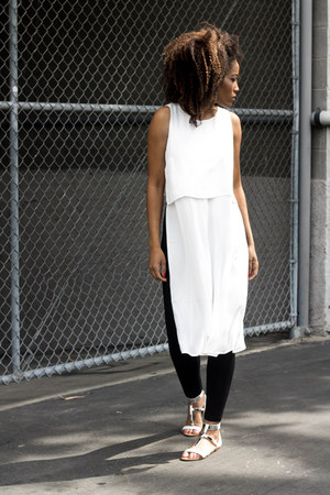 black Zara leggings - ivory Forever 21 shirt - white Zara sandals