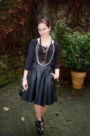 black pleather H&M skirt - black H&M shirt - gold H&M necklace - black vox pumps