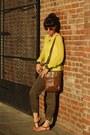 Yellow-old-navy-sweater-light-brown-liz-claiborne-bag