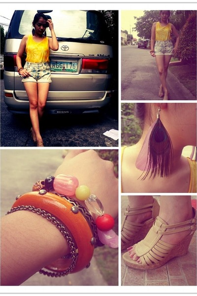 floral shorts shorts - tie dye shirt - random bracelet - feathers earrings