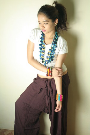 white basic tee shirt - colorful beads tiangge necklace - colorful beads tiangge