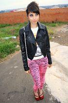 black Revanhce jacket - pink O Pato Veste Store leggings - white O Pato Veste St