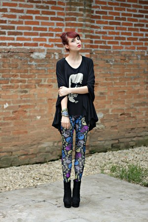 black OASAP boots - black skull Pink Vanilla leggings