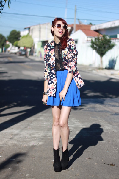 navy floral print Chicwish blazer - black OASAP boots