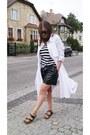 White-trench-coat-diy-coat-black-mango-t-shirt