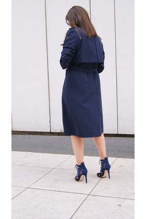 white DIY dress - navy DIY coat - black Zara heels