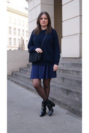 black Zara boots - navy Zara sweater - black Mango bag