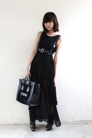 Celine bag - The Scarlet Room skirt - Schwing schwing accessories - Nikicio Mixt