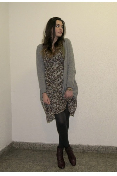 heather gray cardigan - army green cardigan - maroon boots - dark gray tights