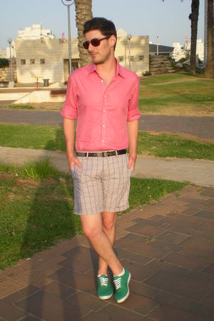 black Zara belt - red Zara shirt - gray H&amp;M shorts - green castro shoes
