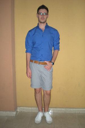 blue Zara shirt - white pull&bear shoes - brown Zara belt - white pull&bear shor
