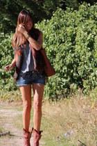 vest - boots - shorts