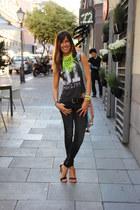formal Mango sandals - skinny Bershka jeans - sport Zara t-shirt