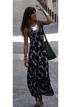 tie dye estepona dress - silver vintage necklace - tachas Las Dalias sandals