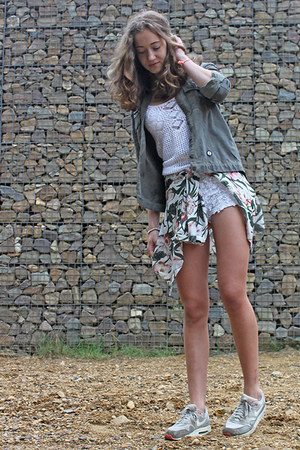 dark green Zara jacket - white lace Zara shorts - white crochet Gilly Hicks top