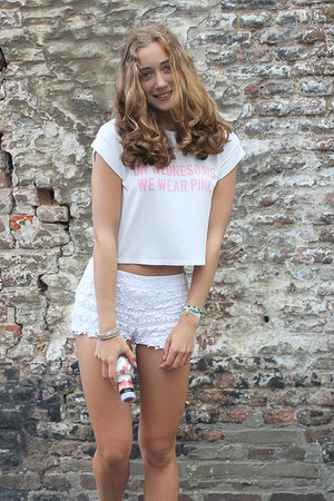 white Zara shorts - white brandy melville t-shirt