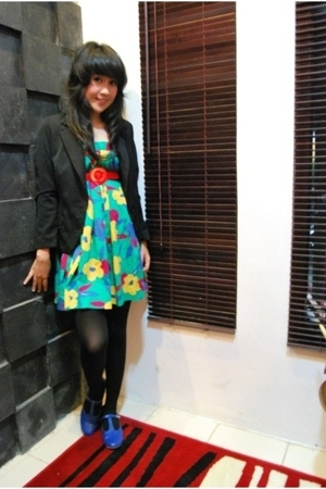 dress - blazer - belt - tights - shoes