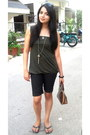 Dark-brown-its-bag-black-idee-sunglasses-heather-gray-splash-necklace-blac