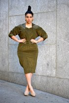 army green vintage dress - tan heels