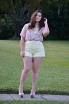 light pink top - light yellow shorts - ivory Jessica Simpson wedges
