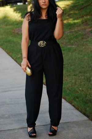 black jumper - black Carlos Santana shoes - gold seashell purse