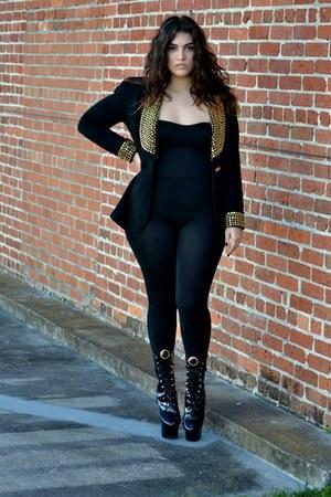 black boots - black leggings - black blazer