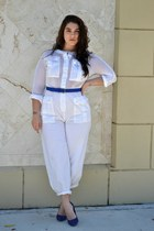 blue pumps - white jumper