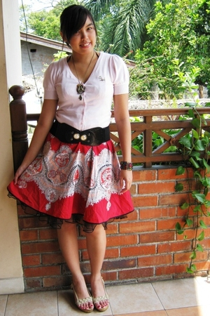 thrift top - random skirt - thrift belt - Marie Claire shoes