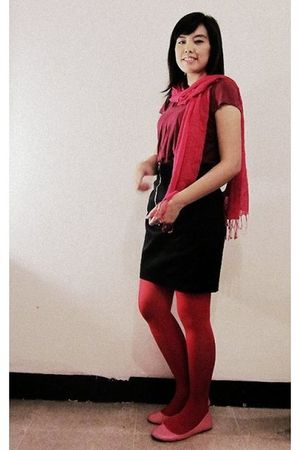red rubi scarf - red Magnolia skirt - red Nyla tights - pink rubi shoes - red th