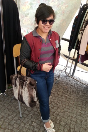 light brown fur Zara bag - navy Uniqlo jeans - maroon varsity c&a jacket