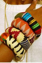 Beige-nakimuli-bracelet-orange-nakimuli-bracelet-black-nakimuli-bracelet-r