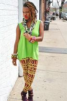 Green-nakimuli-top-purple-nakimuli-leggings-nakimuli-bracelet