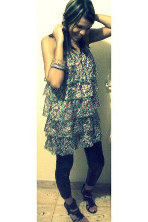 Forever 21 leggings - Zara dress - vintage accessories - bertinni shoes