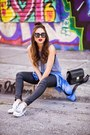 Black-ag-jeans-jeans-silver-dolce-vita-sneakers-navy-blush-top
