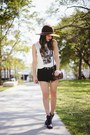 Black-sperry-boots-brown-coach-bag-black-guess-shorts-white-forever-21-top