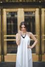 Black-furor-moda-dress-gold-furor-moda-necklace
