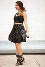 Black-clutch-spiegel-bag-black-crop-furor-moda-top-black-pleated-h-m-skirt