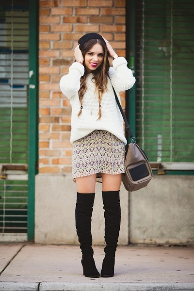 White Forever 21 Sweaters Black Guess Boots Light Purple La Made