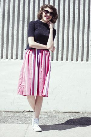 black Forever 21 sunglasses - black wool vintage top - bubble gum vintage skirt