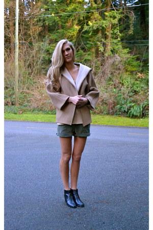 Zara coat - vintage shorts