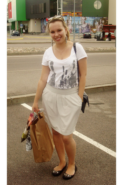 white Cherokee top - silver New Yorker skirt - black seppl shoes - blue thrifted