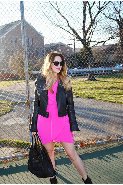 black leather Steve Madden boots - hot pink Nasty Gal dress