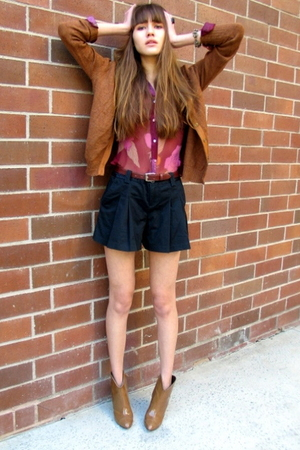 vintage sweater - vintage top - Lux shorts - Burberry shoes