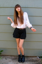 brown Gap belt - black Cole Haan boots - black Lux shorts - white vintgae top